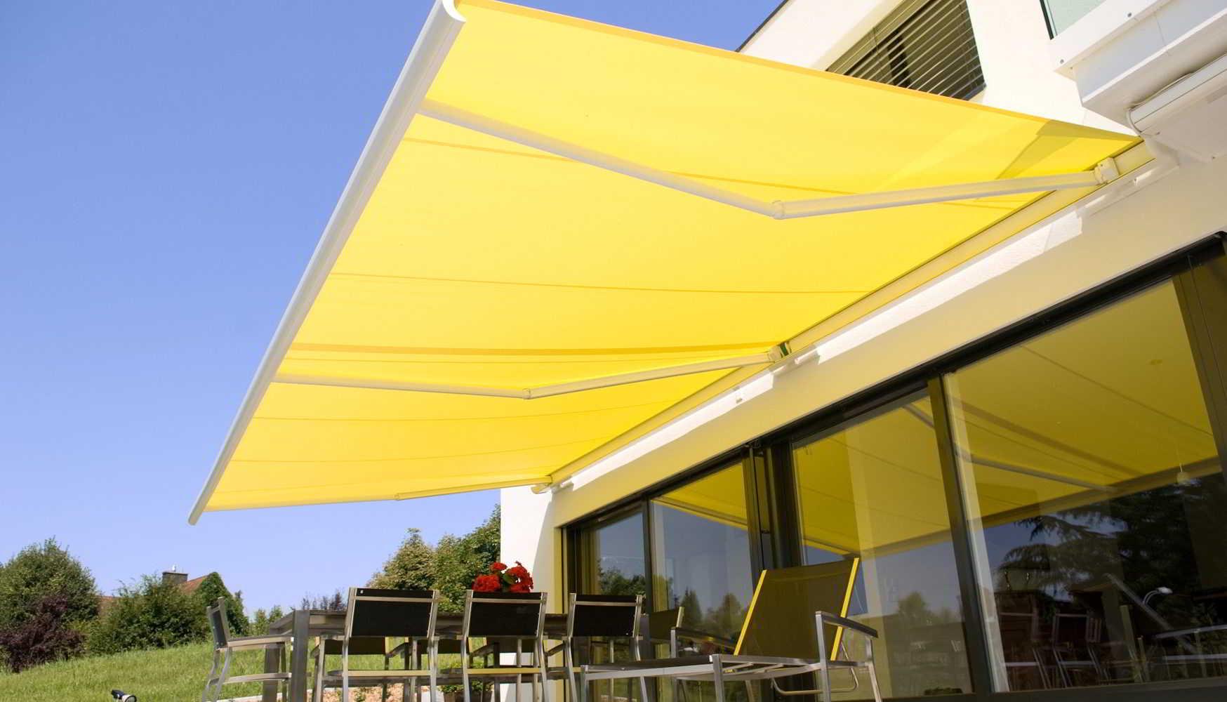 Toldos persianas parasoles velas en marbella y toda la for Toldos y parasoles